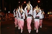 参加2年目の徳島県の殿様連の皆さん このリズムは万国共通で踊りたくなります。