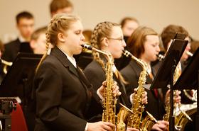 オーケストラとはまた違ったブラスバンドの華やかな良さがあります。