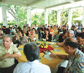日本からの皆様とハワイの関係者の皆様が席を共にします