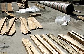 Parts are laid out before the dashi is built.