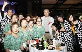 The powerful group Saitama Ryujin Matsuri Kai was very noticeable. They were enjoying the Gala and were all smiles.