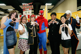 Here are members of the Cosplay Cafe. Even Spider-Man gestures a cute heart for us.