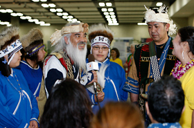 The Ainu group participated in the Honolulu Festival so that they could share their culture with everyone.