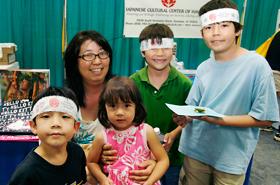 ホームスクールで参加したカイルアのBethさんと子供達。