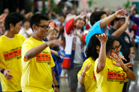 Students participate in the Honolulu Festival Bon Dance that was held for the first time this year.