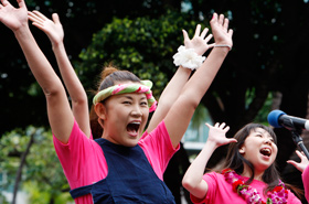 Yamada Kuniko, leader of The Star Chorus Group.