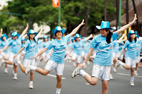 The Sonoda Gakuen High School performers come out each year with over 100 dancers. Once again they showed the audience a powerful performance.