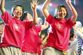 The girls perform Awaodori