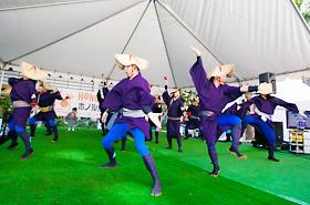 第1回からホノルル・フェスティバルに参加している須賀連の皆さん。今年は第1回で踊った演目を披露してくれました。