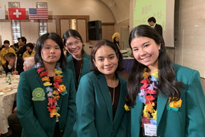 Kaimuki-High-School-Students-at-International-Cross-Cultural