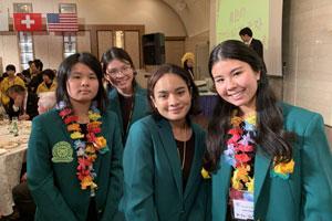 Kaimuki-High-School-Students-at-International-Cross-Cultural